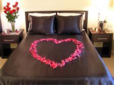 Romantic hotel room decoration service uberoom - Romantic decorations for hotel rooms ...
